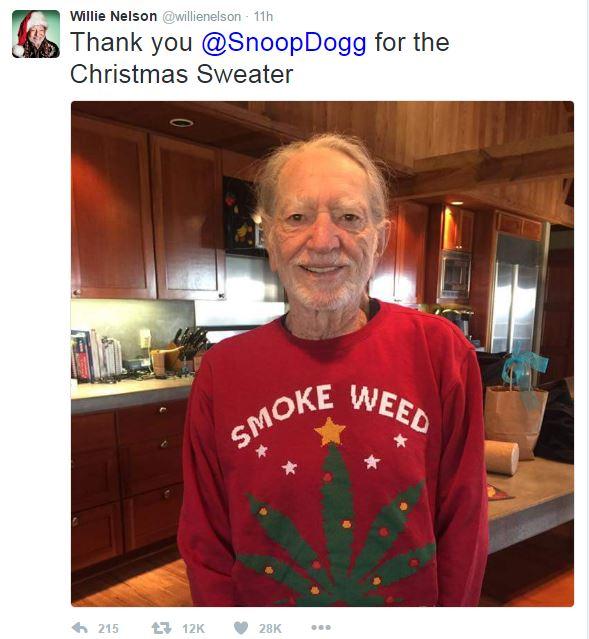Texas' favorite stoner thanks Snoop Dogg for Christmas sweater ...