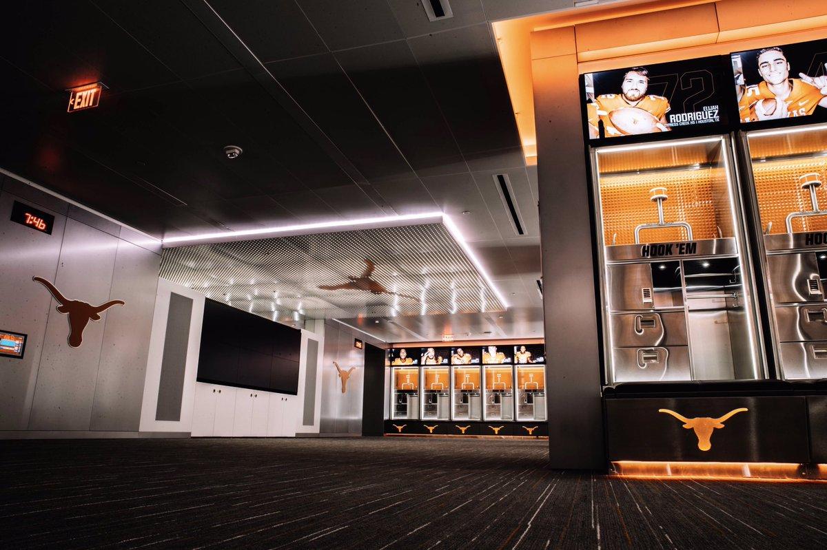 Longhorns Locker Room Tv
